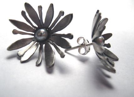 2649-waterlilly-earrings.jpg