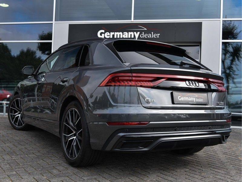 Audi Q8 50TDI 286pk Quattro S-Line Black Optic Lucht RS-Zetels B&O Pano Leder-Dash 22-Inch Soft-Close! afbeelding 4