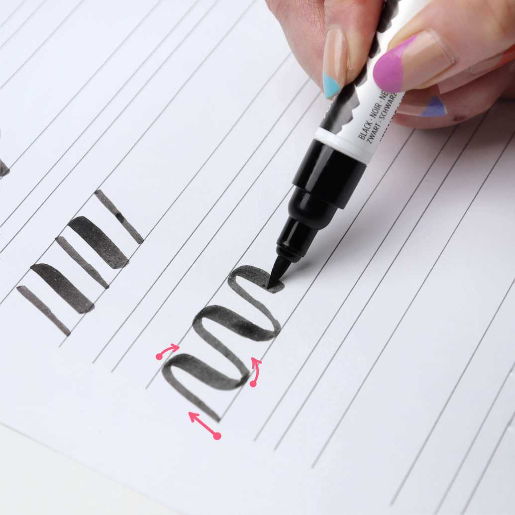 Exercício ondinhas brush lettering