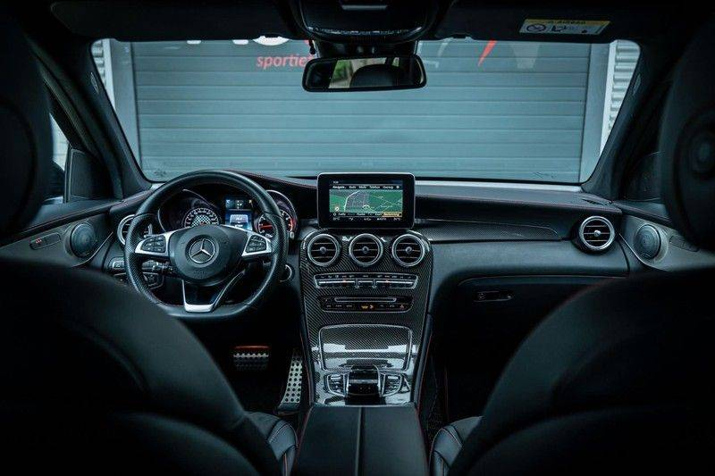 Mercedes-Benz GLC 43 AMG 4MATIC, 367 PK, 63 AMG Look, Panoramica, Airmatic, Trekhaak, Camera, LED, Comand Online, 87DKM! afbeelding 3