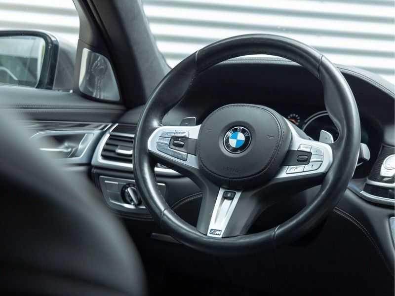 BMW 7 Serie M760Li xDrive - Bowers & Wilkins Audio - Night Vision - Entertainment Professional afbeelding 25