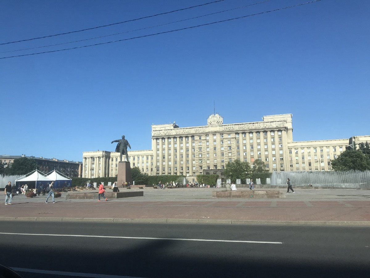 Driving into Saint Petersburg, past Soviet-era monuments and buildings.