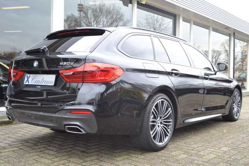 BMW 5 Serie touring 530d xDrive M sportpakket NW 110.000,- afbeelding 6
