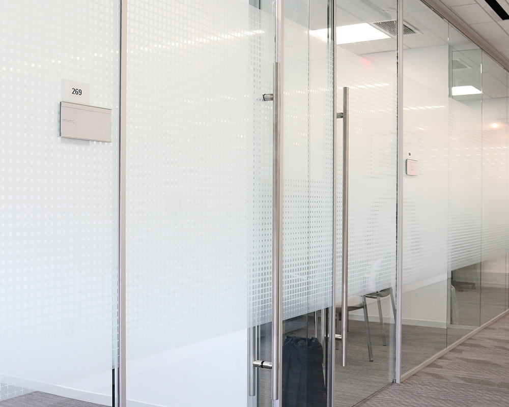 Decorative Glass Walls and Doors for Office Rooms