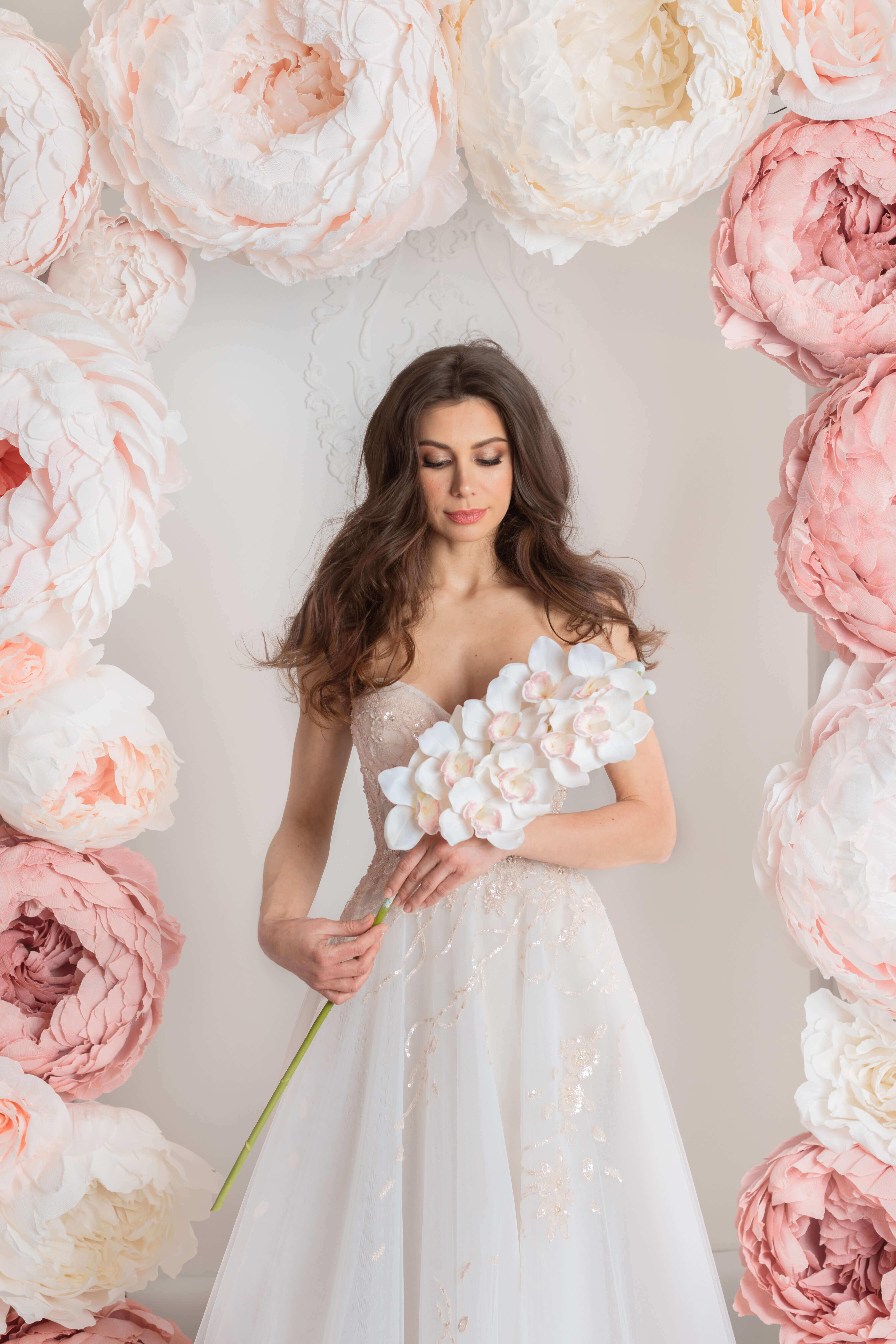a line rose gold lace weddingdress montreal bridal shop lilia haute couture