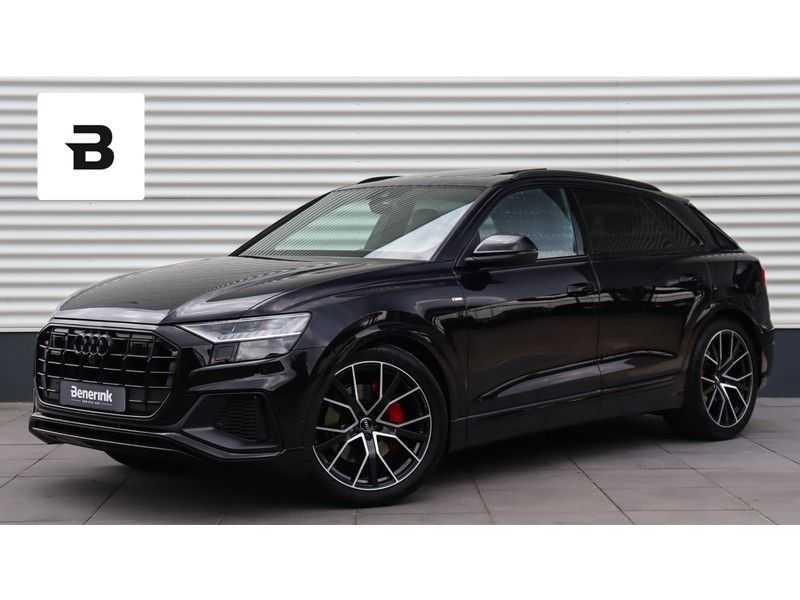 Audi Q8 55 TFSI quattro S-Line, Panoramadak, B&O, Massage, Ruitstiksel, Trekhaak afbeelding 1