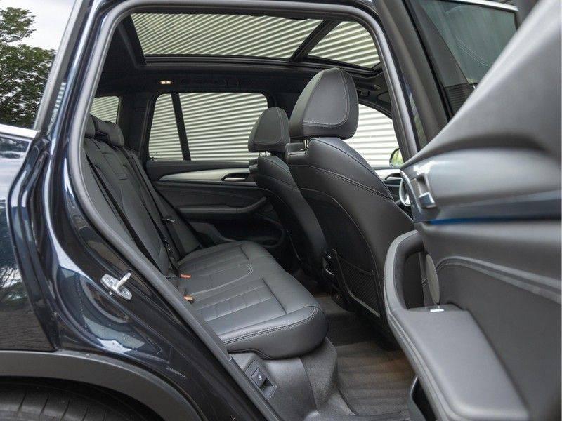 BMW iX3 High Executive - Trekhaak - Direct Beschikbaar! afbeelding 17