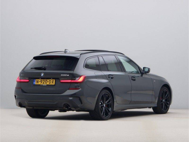 BMW 3 Serie 330Xe Touring High Exe M-Sport Hybrid afbeelding 9