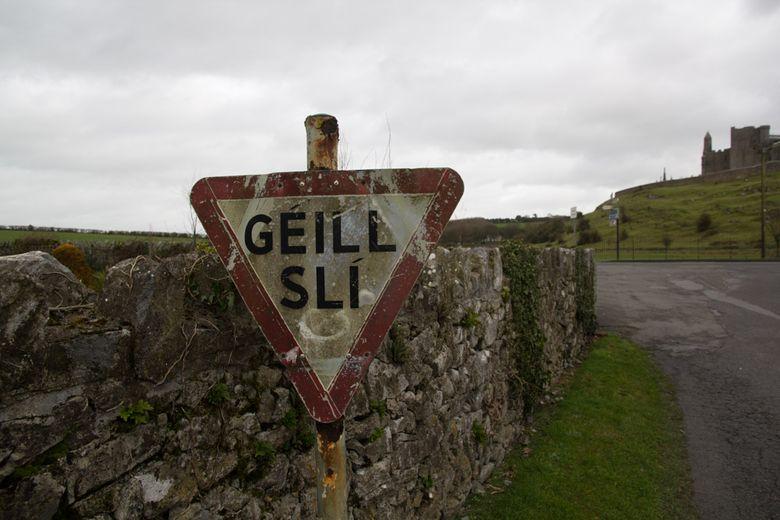 Give way in Irish