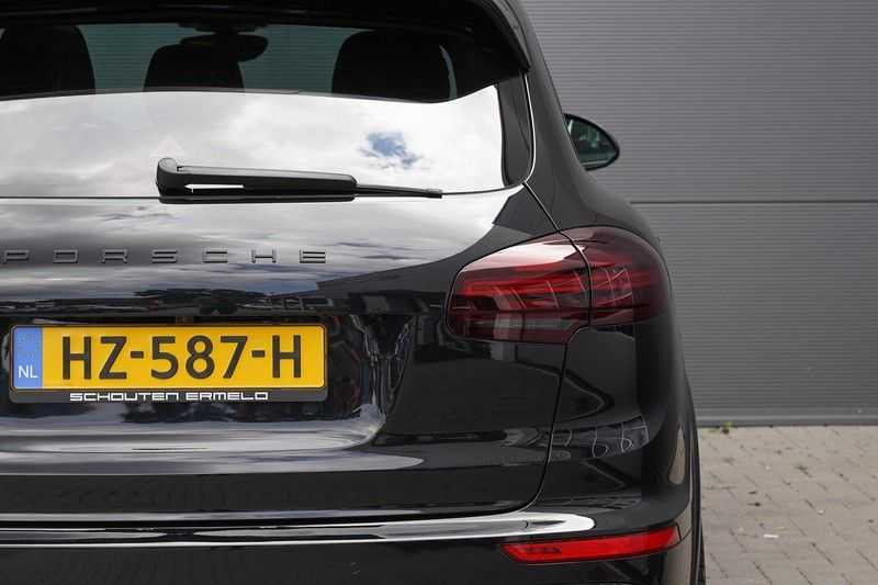 "Porsche Cayenne 3.0 D Facelift Sport Design Sportchrono + stoelen Pano 21"" afbeelding 19"