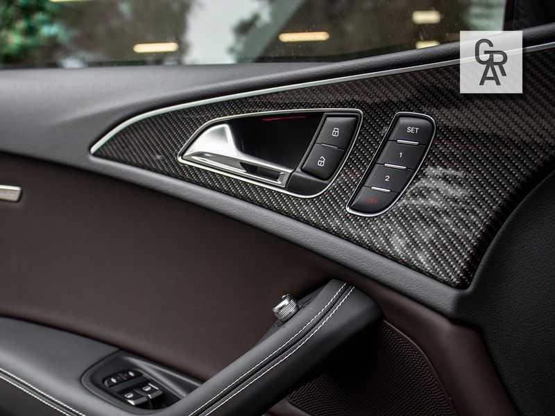 Audi RS6 Avant 4.0 TFSI RS6 PERFORMANCE | KERAMISCH | CARBON | EXCLUSIVE | MILLTEK afbeelding 12