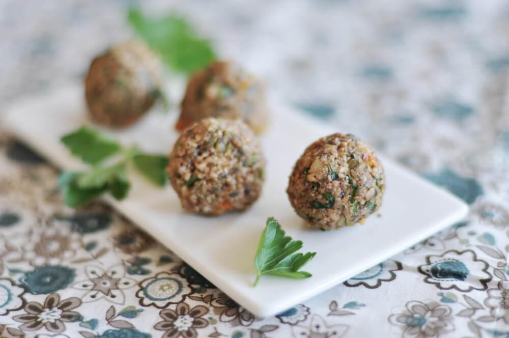 Raw food falafel