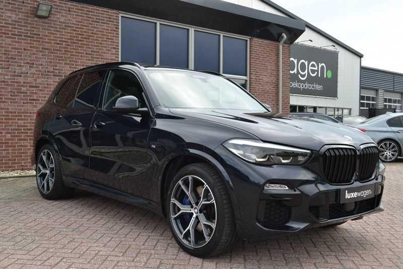 BMW X5 xDrive30d 265pk M-Sport Pano Luchtv Trekh DA+ PA+ Standk afbeelding 25