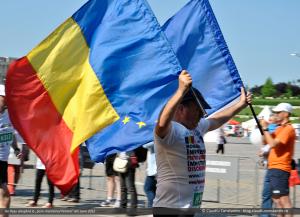 """Ilie Roşu alergând la """"Semi-maratonul Petrom"""" din Iunie 2012"""