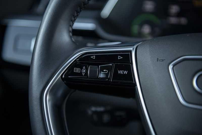 "Audi e-tron e-tron 55 quattro advanced Pro Line S 4% bijtelling!! DEC. 2018!! € 146,- netto bijtelling pm! Head-up + B&O etc. Tot januari 2024 4% bijtelling!! Prijs inclusief 22"" velgen afbeelding 23"