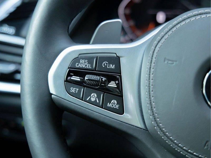 BMW X6 xDrive40i High Executive - M-Sport - Trekhaak - Head-up - Driving Ass Prof afbeelding 20