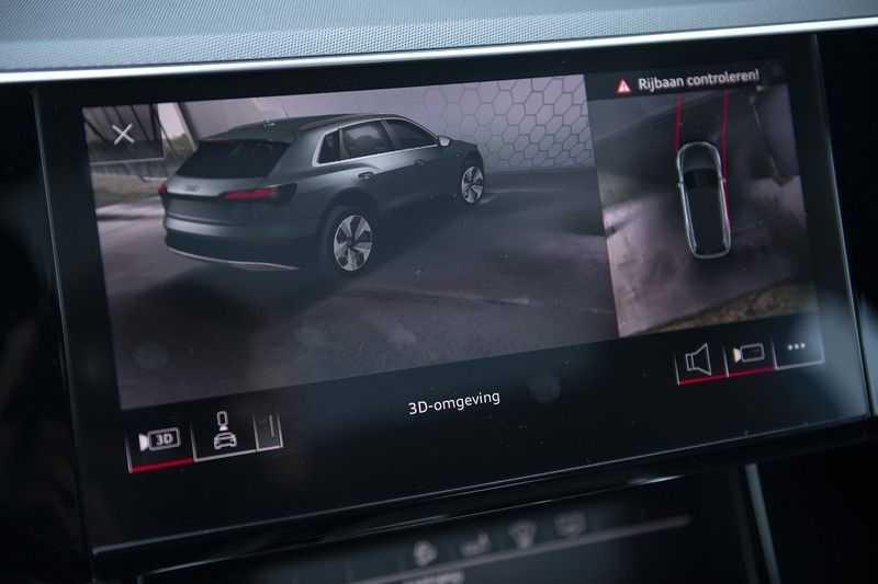 "Audi E-tron 55 e-tron quattro Advanced Pro Line S DECEMBER 2018!! € 146,- netto bijtelling pm! Head-up + B&O etc. Tot januari 2024 4% bijtelling!! Prijs inclusief 22"" velgen afbeelding 22"