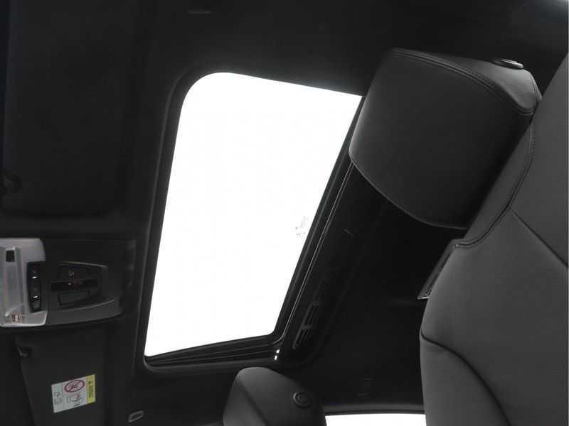 BMW 4 Serie Gran Coupé 418i High Executive M-Sport Automaat afbeelding 18