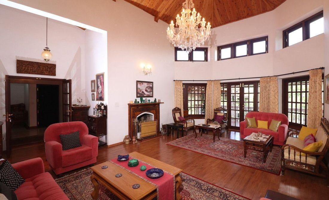 Grand Family Room