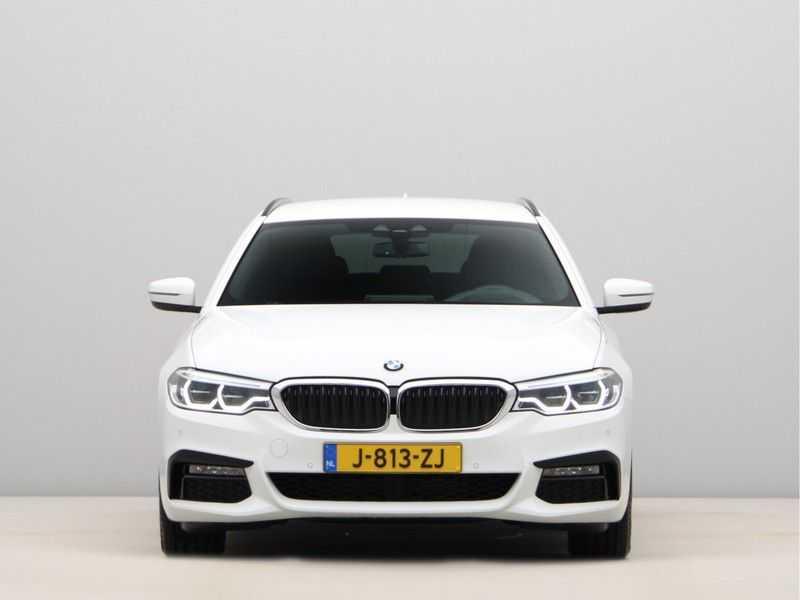 BMW 5 Serie Touring 520d High Executive M-Sport Aut. afbeelding 10