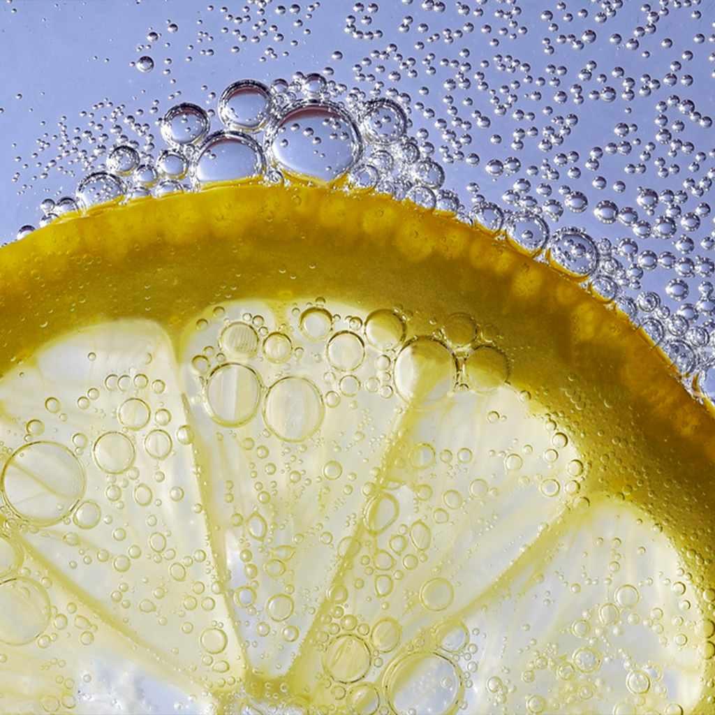 fresh-juices: lemon squash