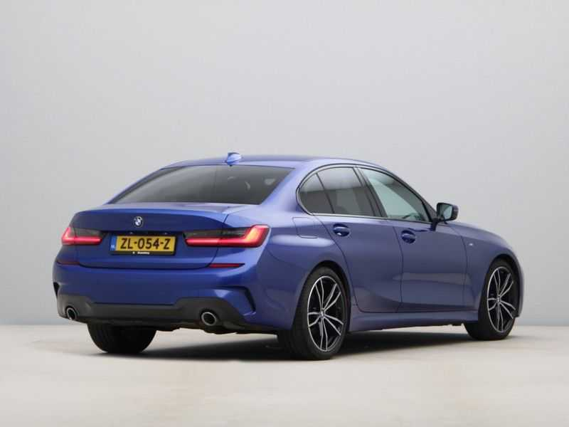 BMW 3 Serie 320i High Exe M-Sport Aut. afbeelding 2
