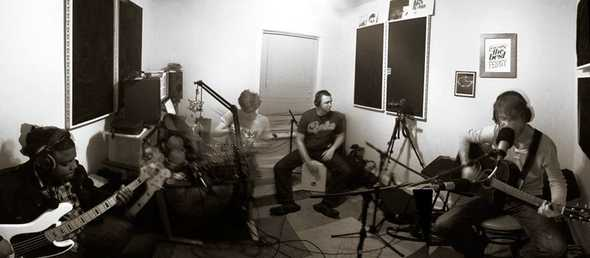 The Neutral Sound perform live in-studio.