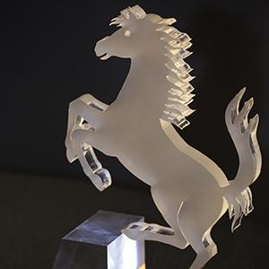Cavallo sagomato a laser