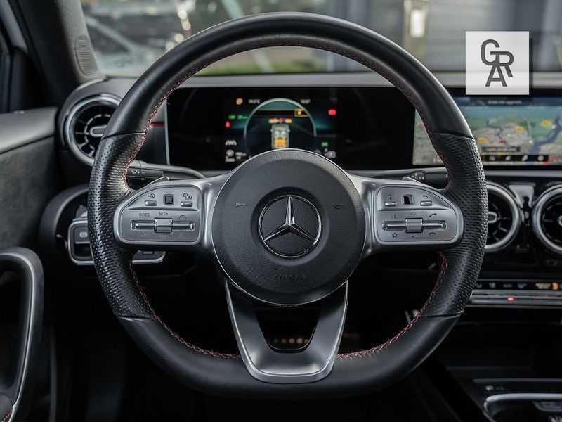 Mercedes-Benz A-Klasse A200 Launch Edition Premium Plus afbeelding 20