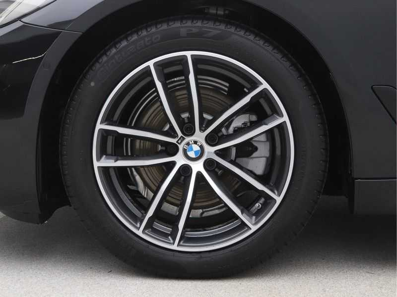 BMW 5 Serie Sedan 520i High Executive M-Sport Automaat afbeelding 19