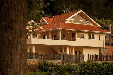 Bournville - Modern Bungalow in Coonoor for sale, Nilgiris image