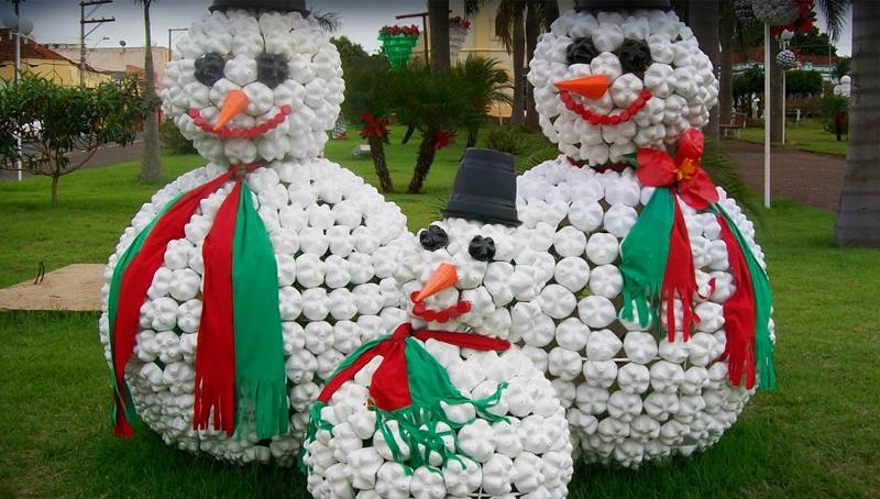 Imagem em destaque para o artigo: Decoração de Natal reciclada e do jeito certo!