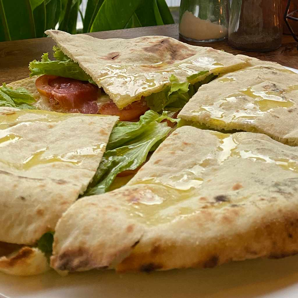 pizza: pane arabo