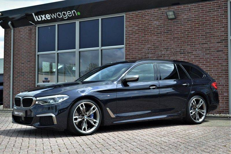 BMW 5 Serie Touring M550d xDrive 400pk Pano Standk ACC 20inch Adp-LED HUD afbeelding 5
