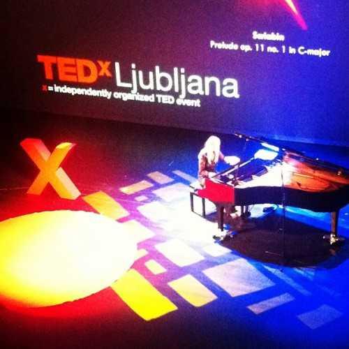 Ana Šinkovec playing the piano
