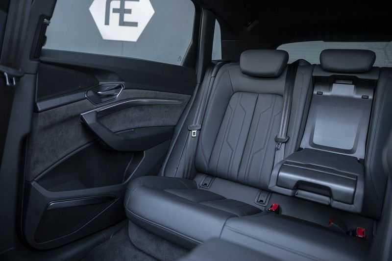 "Audi E-tron 55 e-tron quattro Advanced Pro Line S DECEMBER 2018!! € 146,- netto bijtelling pm! Head-up + B&O etc. Tot januari 2024 4% bijtelling!! Prijs inclusief 22"" velgen afbeelding 21"