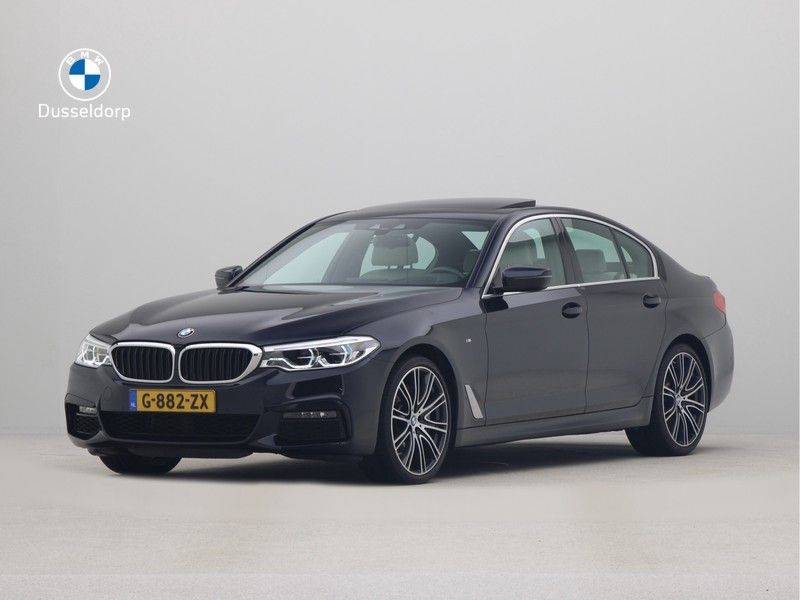 BMW 5 Serie Sedan 540i High Executive M-Sport Automaat afbeelding 1