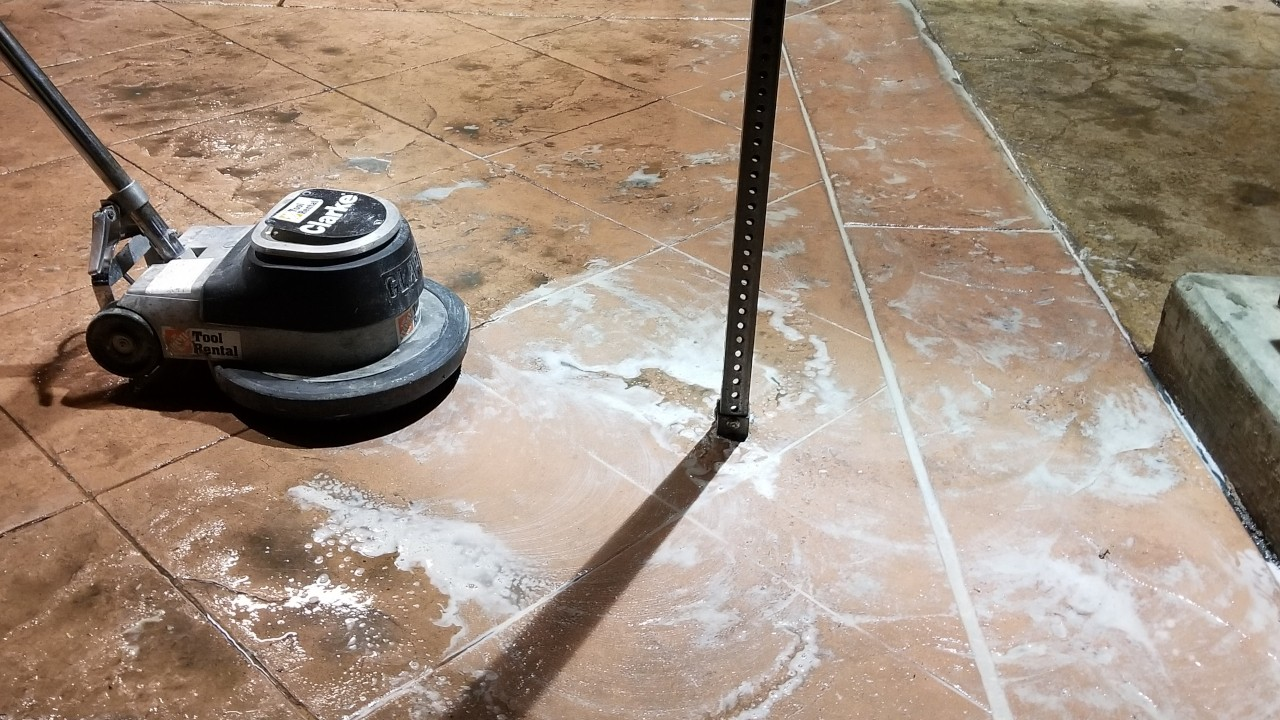 pressure-washing-cafe-rio-storefront-and-siding--cleaning-05
