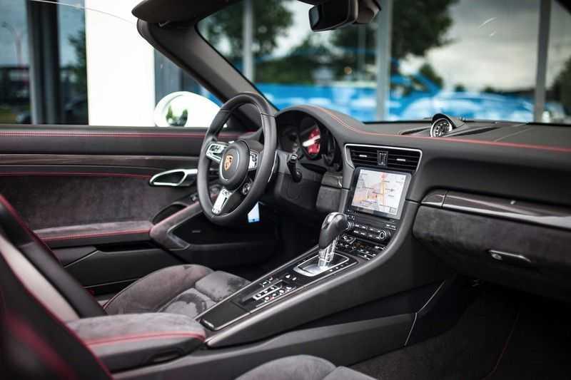 Porsche 911 Cabrio 991.2 3.0 Carrera 4 GTS *BOSE / Liftsysteem / Sport Chrono / DAB / PASM* afbeelding 10