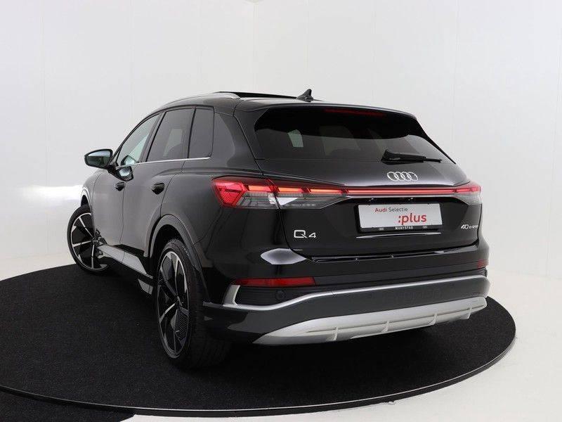 Audi Q4 40 e-tron Launch edition S Competition | Panoramadak | Lederen bekleding | Sonos | Head-up display afbeelding 16