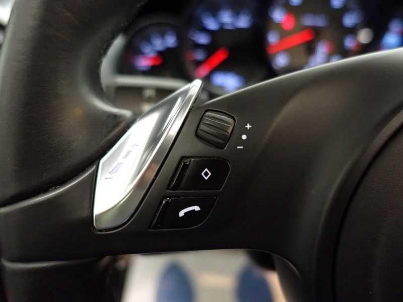 Porsche Cayenne 4.8 S 400pk Sport Chrono Tiptr Aut, Panoramadak, Leer, Camera, Black Edition afbeelding 11