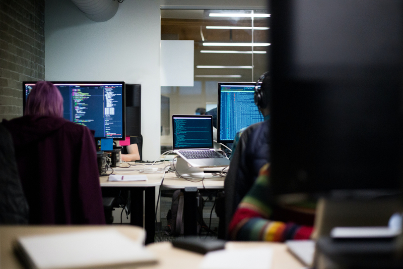 3 reasons why you should opt for software development outsourcing