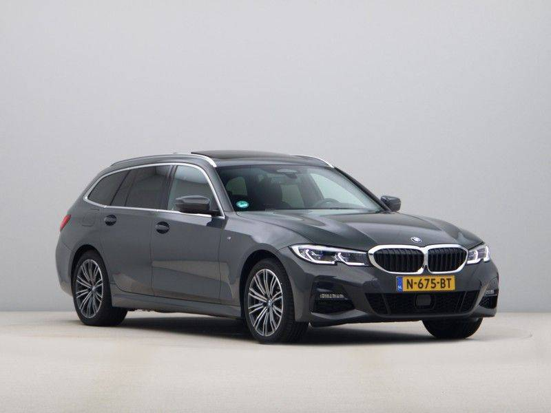 BMW 3 Serie Touring 330e xDrive High Executive Model M Sport afbeelding 7