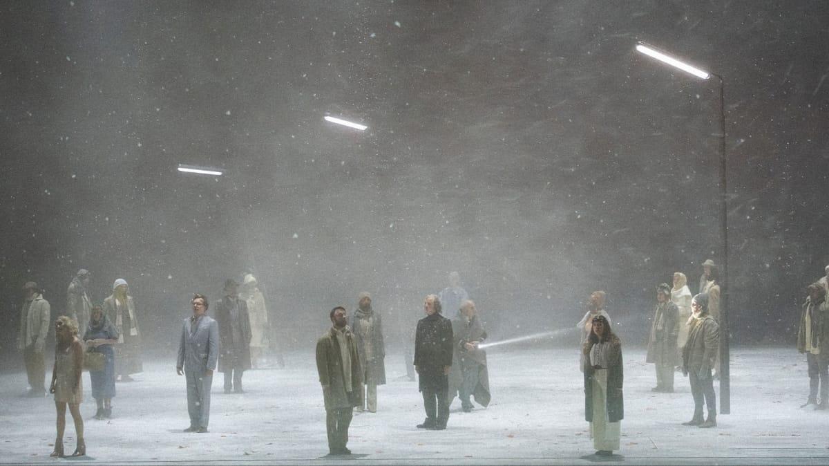 Фрагмент постановки Беата Фуррера «Фиолетовый снег». Источник: br-klassik.de