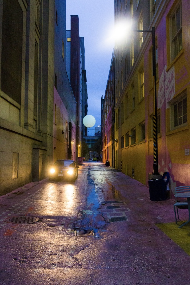 Ruelle de Vancouver durant la nuit