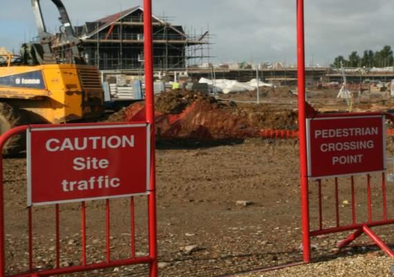 Construction site pedestrian barrier