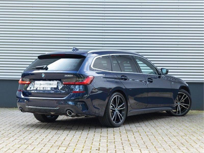 BMW 3 Serie Touring 330i M-Sport - Individual - Memoryzetels - Trekhaak - Panorama afbeelding 2