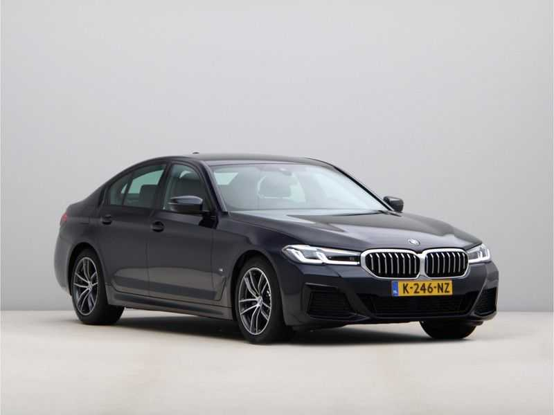 BMW 5 Serie 520i High Exe M-Sport Aut. afbeelding 4