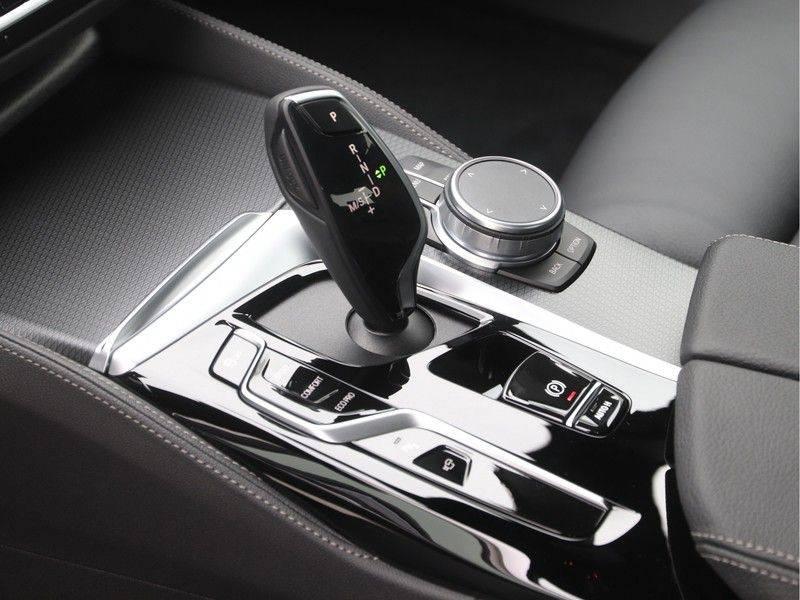 BMW 5 Serie Sedan 520i High Executive M-Sport Automaat afbeelding 16