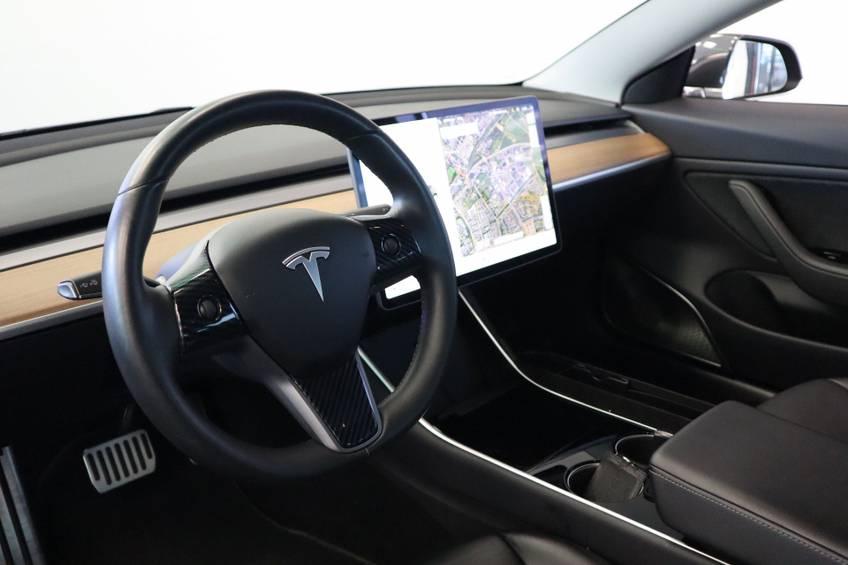 """Tesla Model 3 Long Range   prijs ex.btw 45.889,-   4% 19""""LM Grijs Zwart Performance Look afbeelding 13"""
